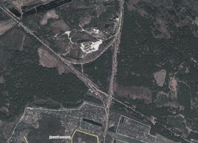 Характерна залізнична розв'язка біля села Хвильово-Сорочин: на північ - Золотоноша, на південь - Чапаєвка, на Захід - Золотоноша-2, на Схід - сліди від недобудованого шляху на Донбас